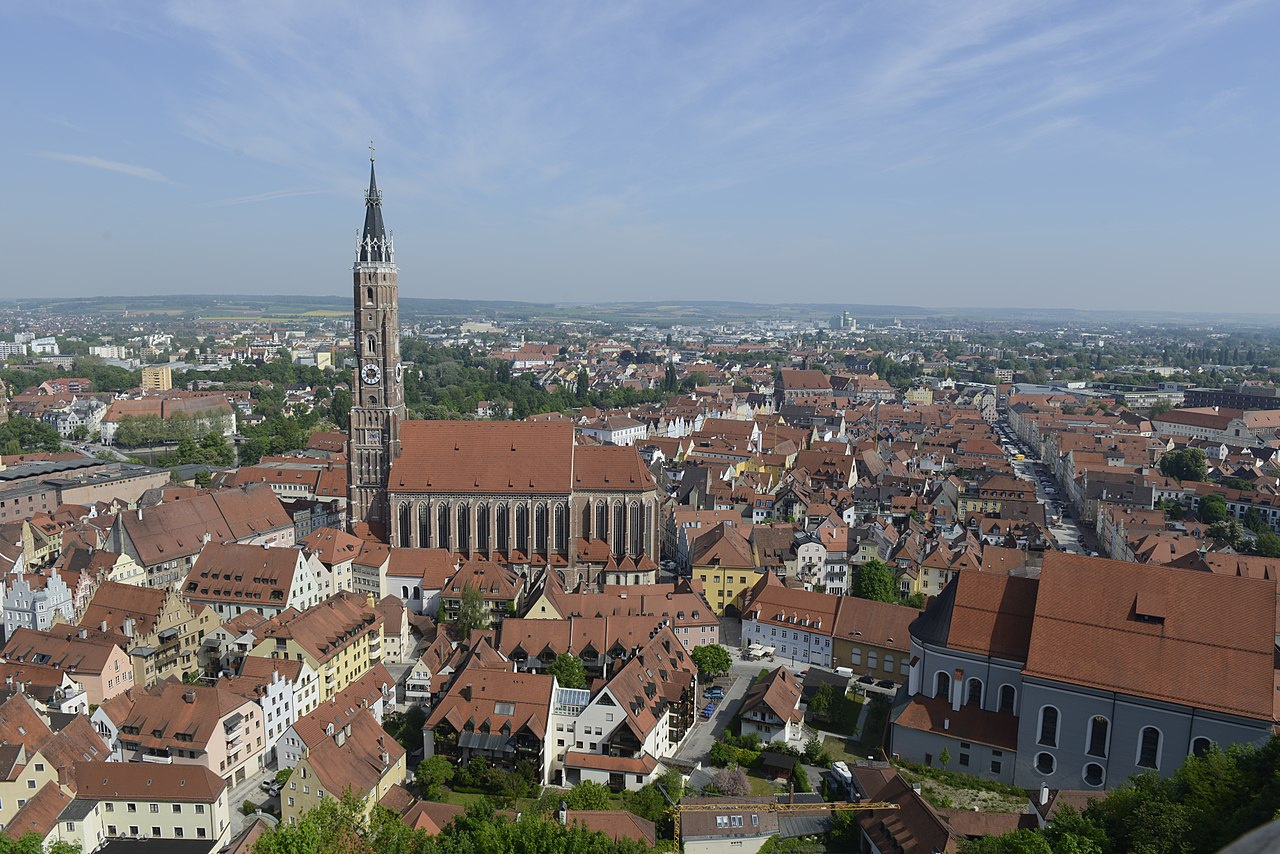 Die Ackermann-Gemeinde lädt nach Landshut - Foto:  Weigand13, Wikimedia Commons, CC BY-SA 4.0 https://creativecommons.org/licenses/by-sa/4.0/legalcode