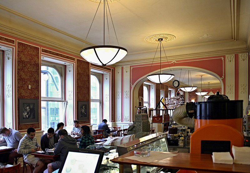 Kaffeehaus Louvre, Foto: VitVit - Own work, CC BY-SA 4.0