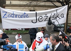 "Foto: Demonstration zur ""Rettung des Christkinds"" - Bild: Commservis/Wiki"